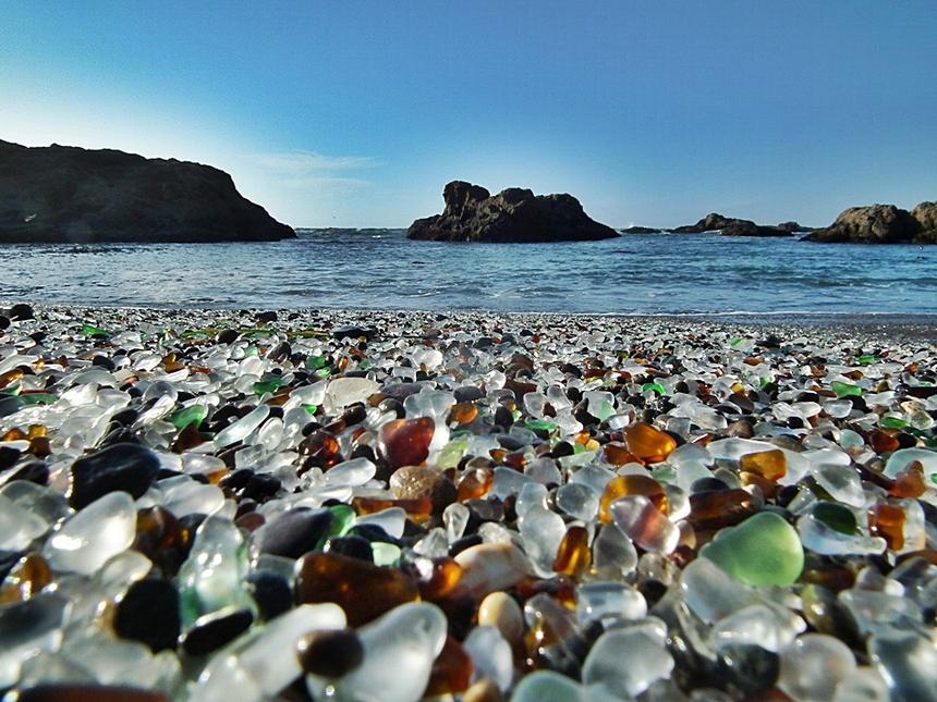 beautiful-and-unusual-beach-03