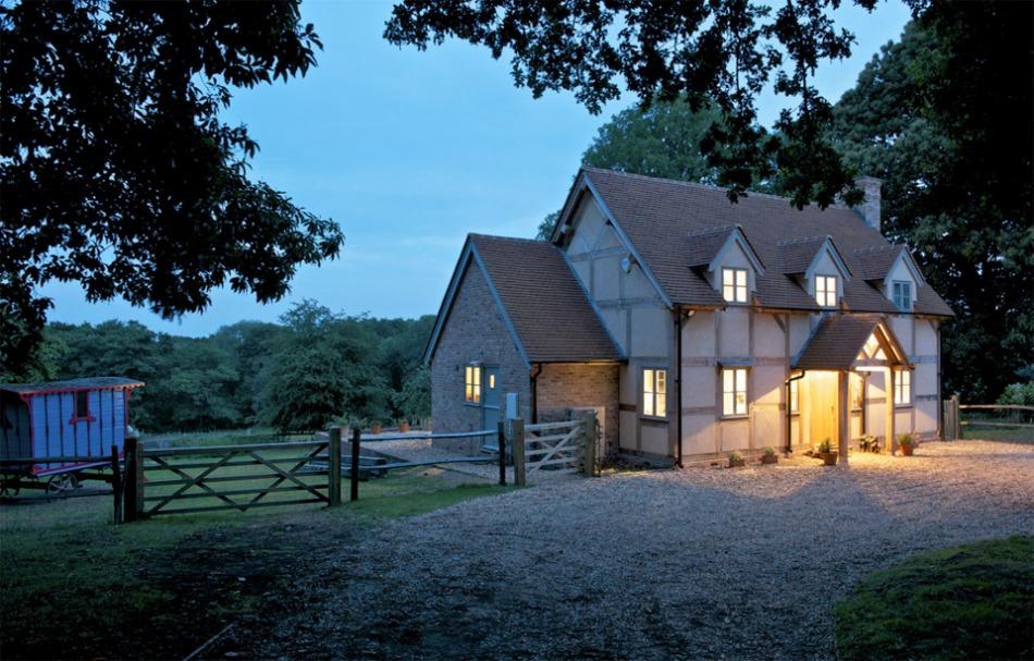 surrey-oak-frame-cottage-1